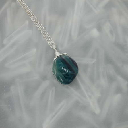 Fluorite stone necklace 3175