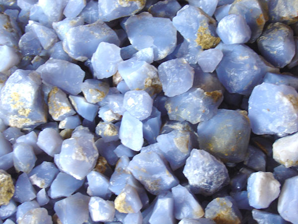 blue-chalcedony-600x400